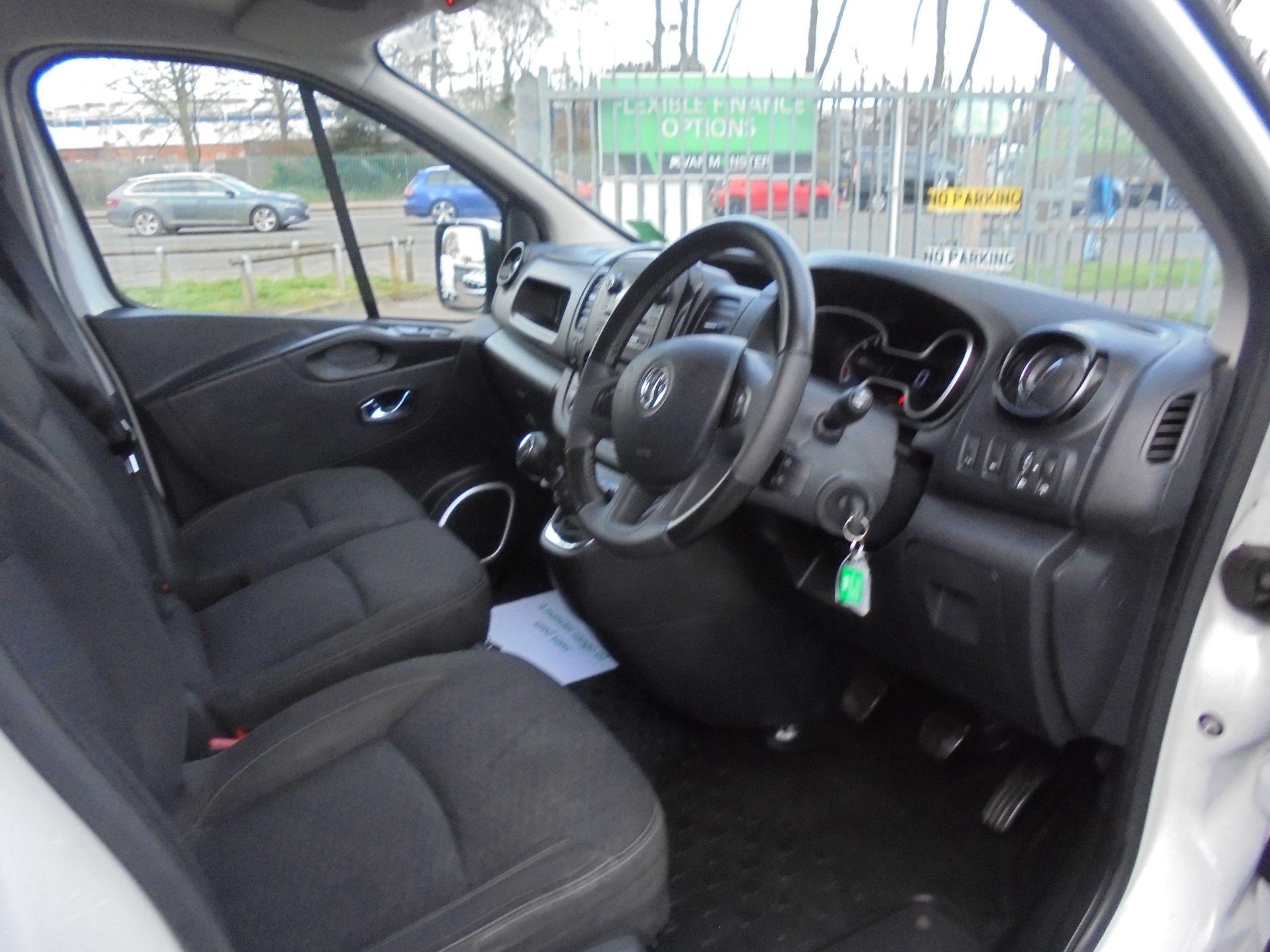 2017 Vauxhall Vivaro L2 H1 2900 1.6CDTI 120PS SPORTIVE EURO 6 (DS67CKE) Image 11