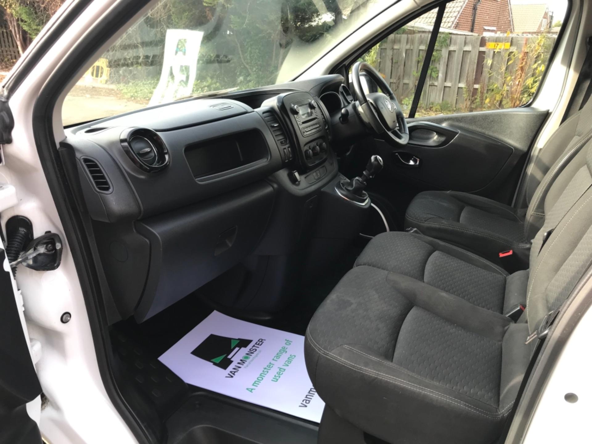 2017 Vauxhall Vivaro L2 H1 2900 1.6CDTI 120PS SPORTIVE EURO 6 (DS67CVY) Image 24