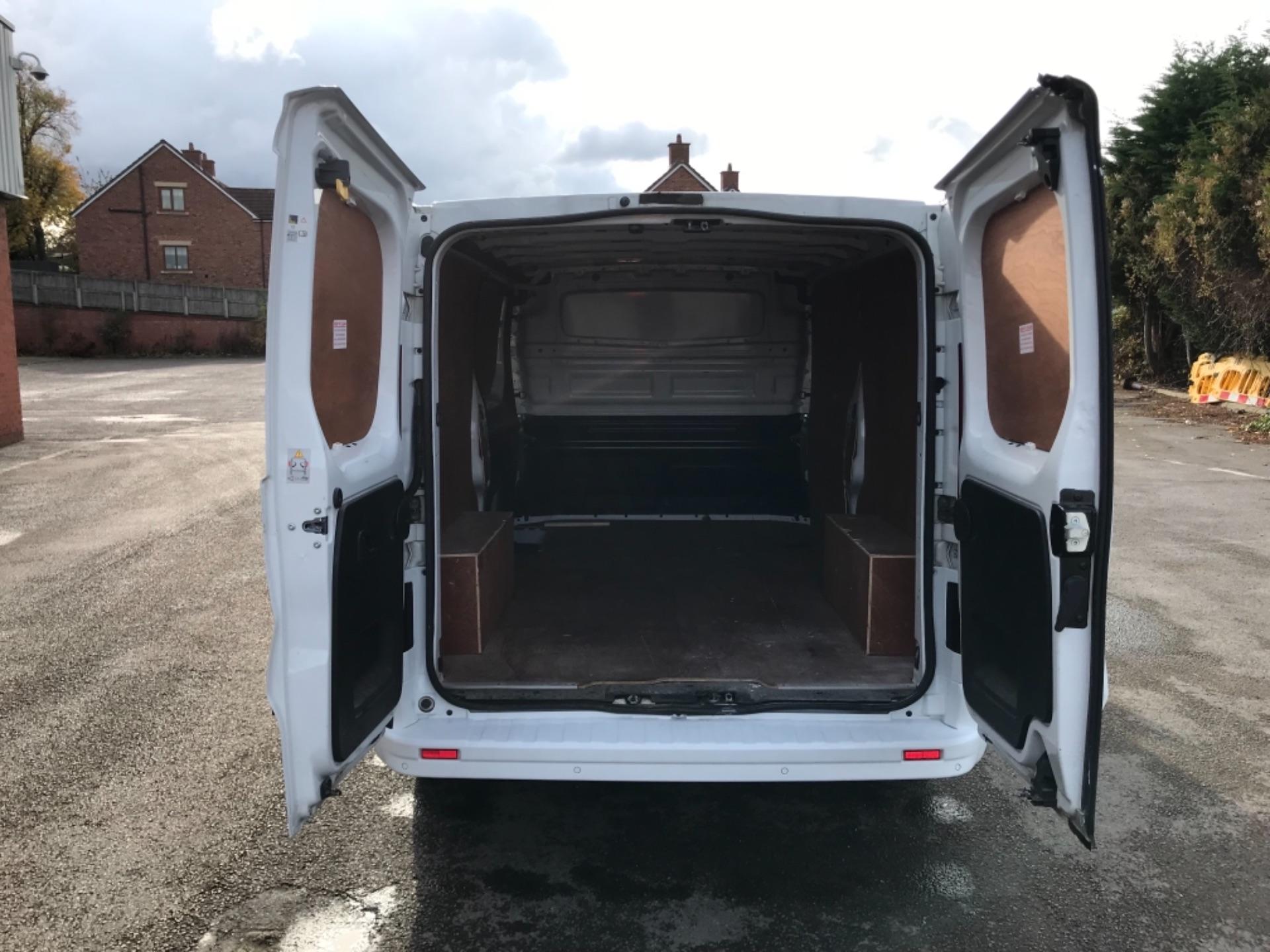 2017 Vauxhall Vivaro L2 H1 2900 1.6CDTI 120PS SPORTIVE EURO 6 (DS67CVY) Image 30