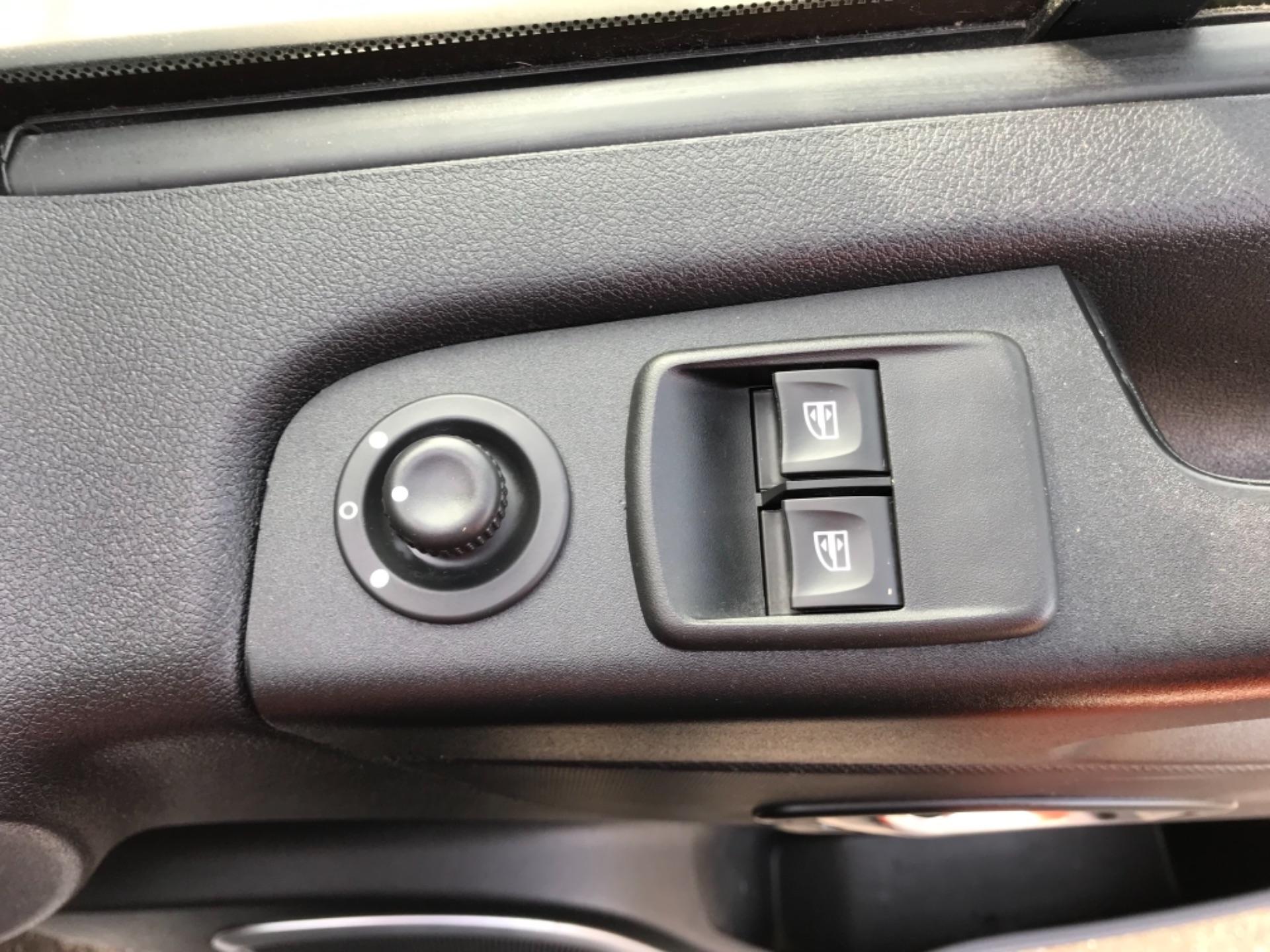 2017 Vauxhall Vivaro L2 H1 2900 1.6CDTI 120PS SPORTIVE EURO 6 (DS67CVY) Image 19