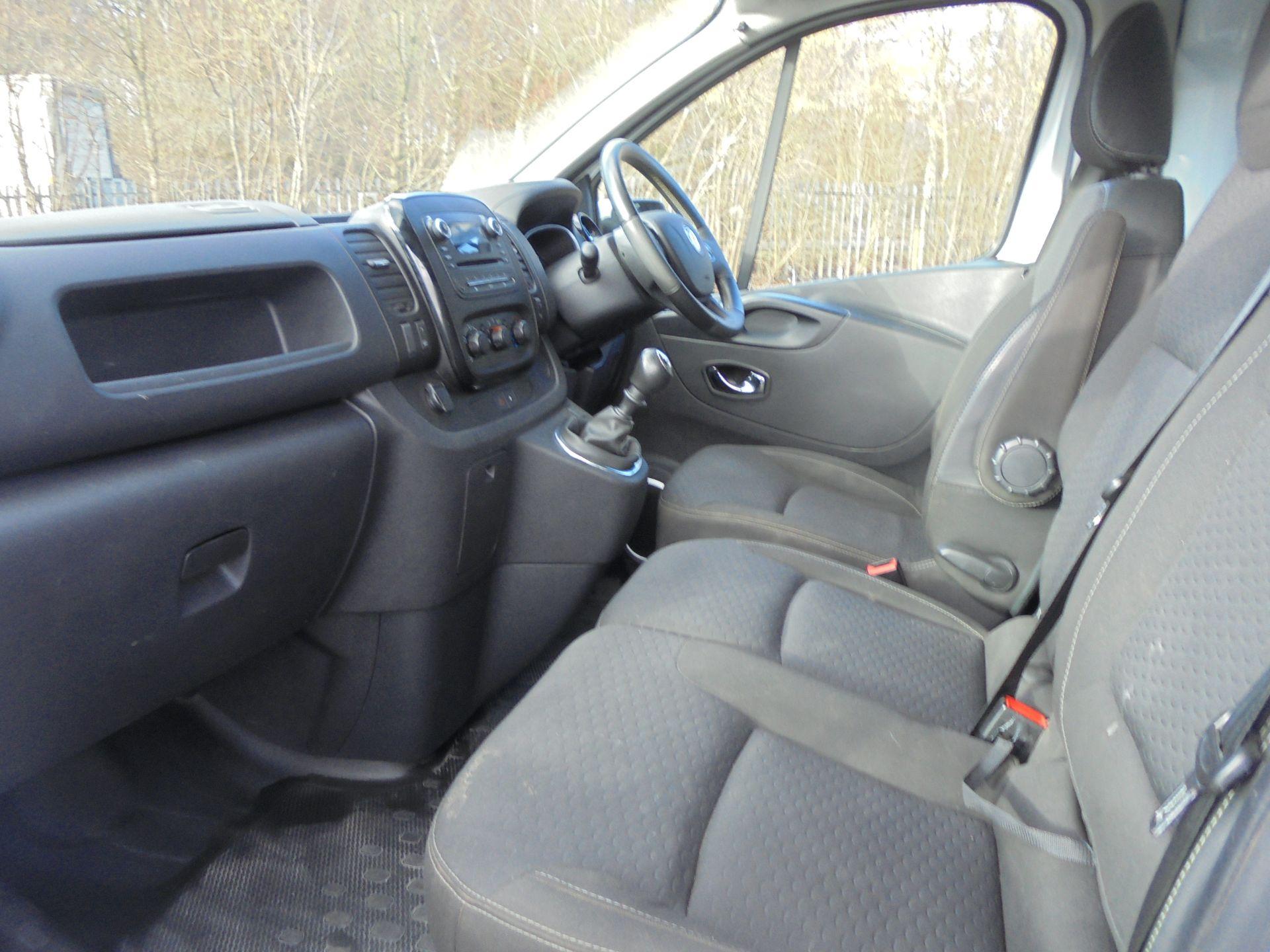 2017 Vauxhall Vivaro 2900 1.6Cdti 120Ps Sportive H1 Van (DS67DCE) Image 5