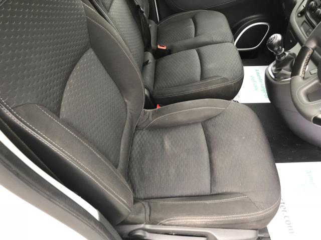 2017 Vauxhall Vivaro L2 H1 2900 1.6CDTI 120PS SPORTIVE EURO 6 (DS67DLJ) Image 25