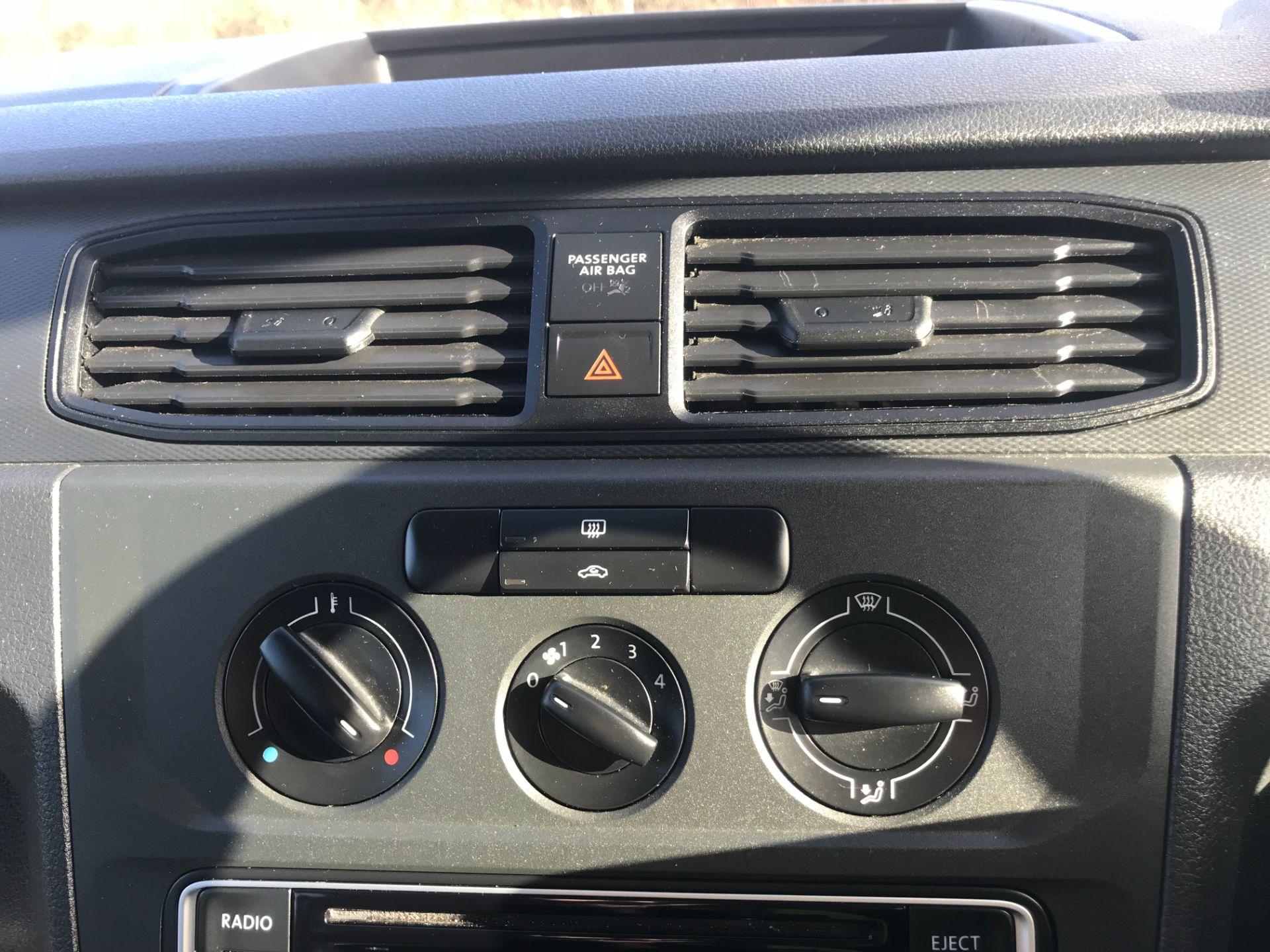 2017 Volkswagen Caddy Maxi  2.0 102PS KOMBI EURO 6 (DS67MUE) Image 31