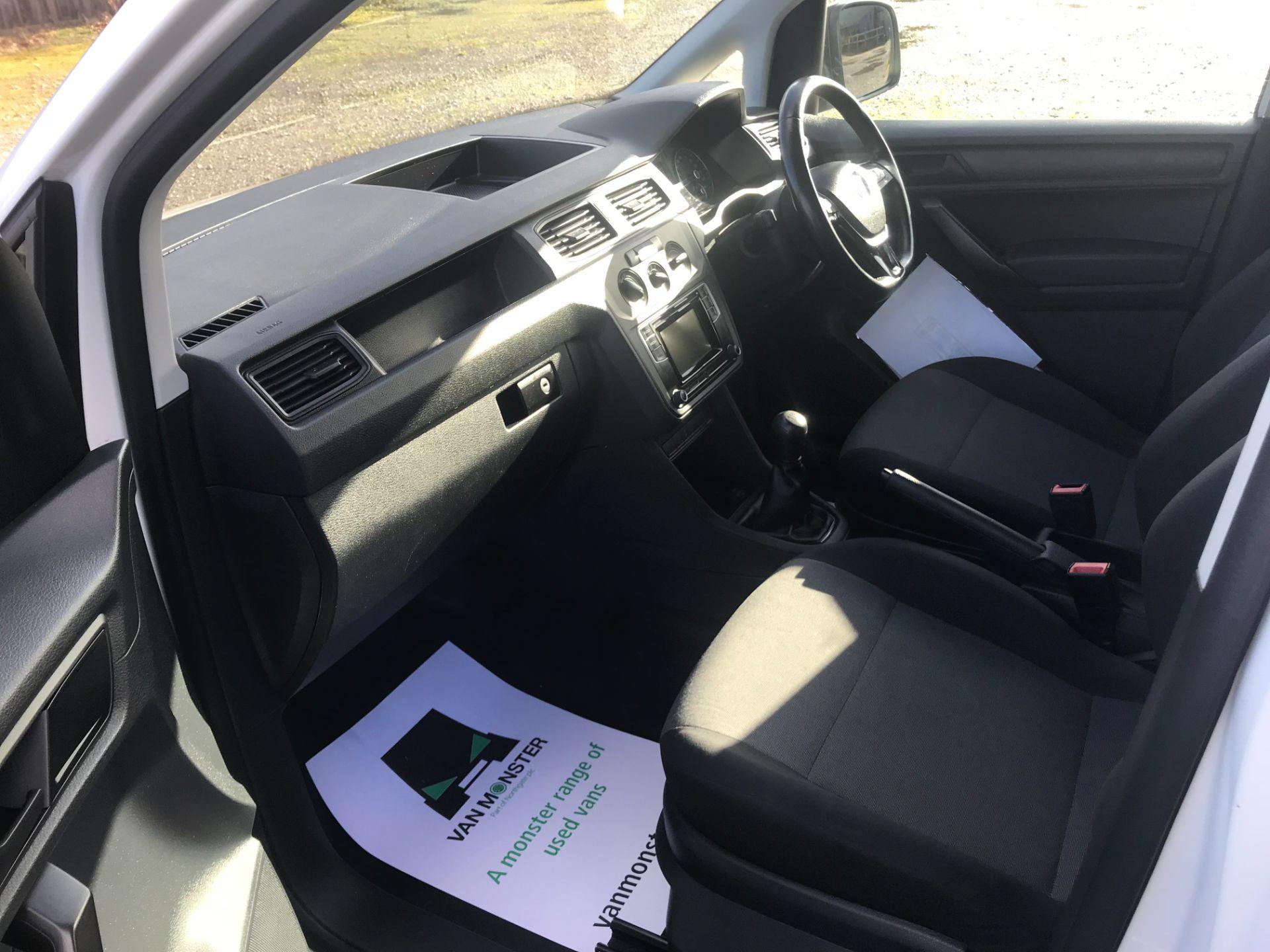 2017 Volkswagen Caddy Maxi  2.0 102PS KOMBI EURO 6 (DS67MUE) Image 22