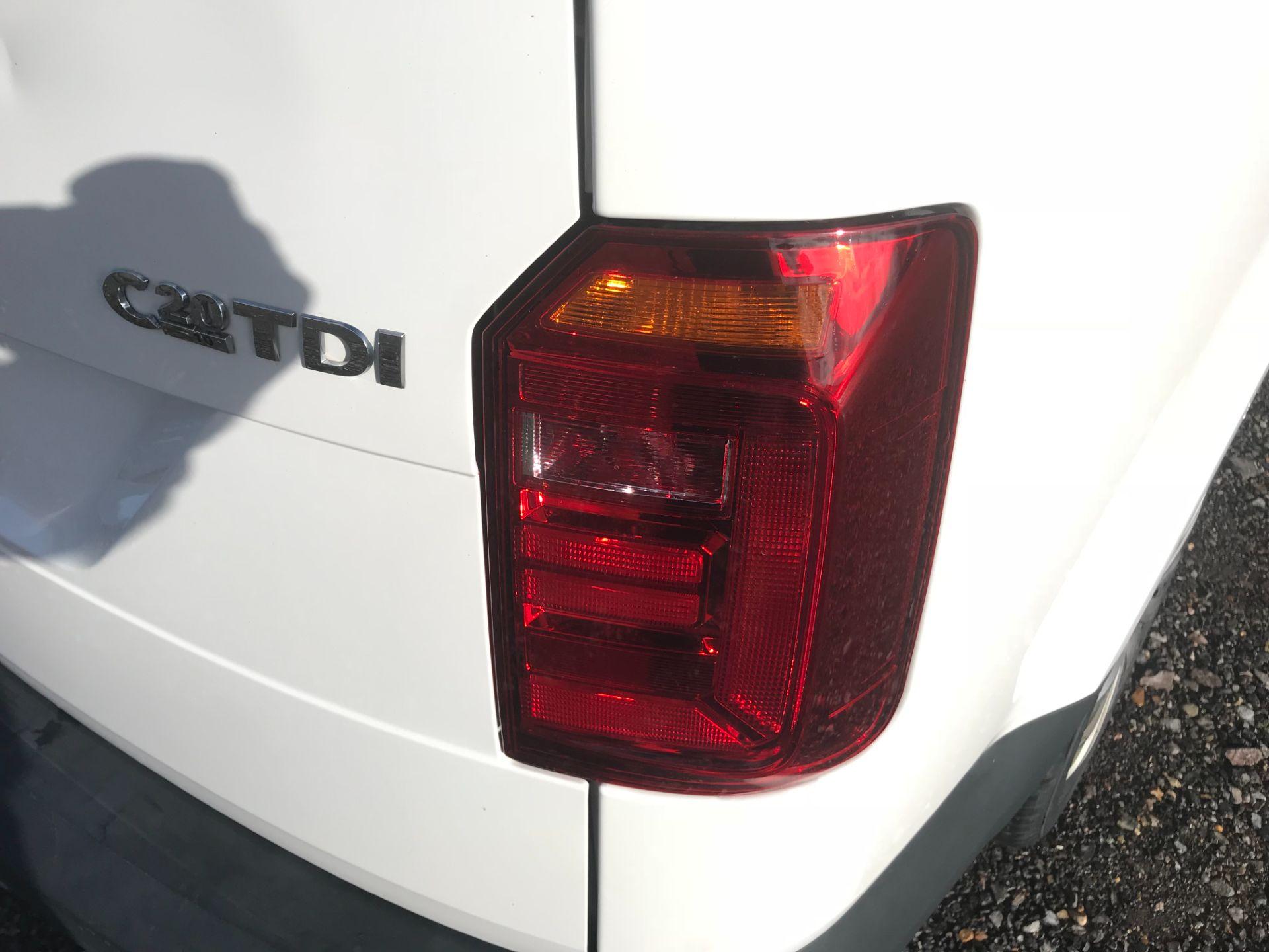 2017 Volkswagen Caddy Maxi  2.0 102PS KOMBI EURO 6 (DS67MUE) Image 18