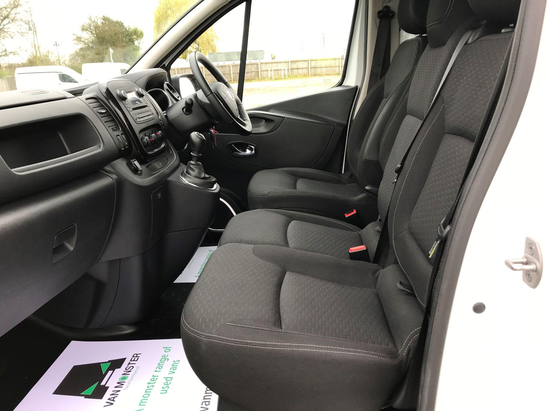 2018 Vauxhall Vivaro L2 H1 2900 1.6CDTI 120PS SPORTIVE EURO 6 (DS68FTU) Image 14
