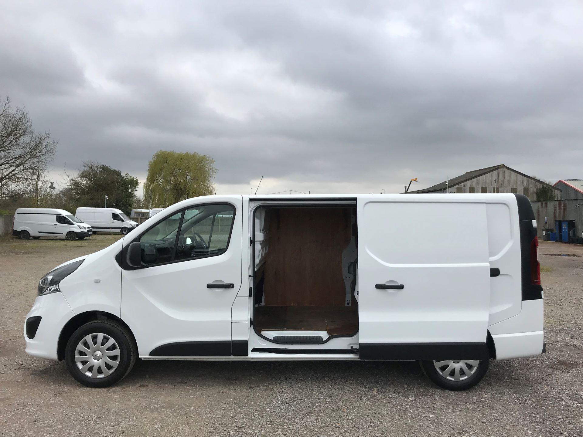 2018 Vauxhall Vivaro L2 H1 2900 1.6CDTI 120PS SPORTIVE EURO 6 (DS68FTU) Image 9