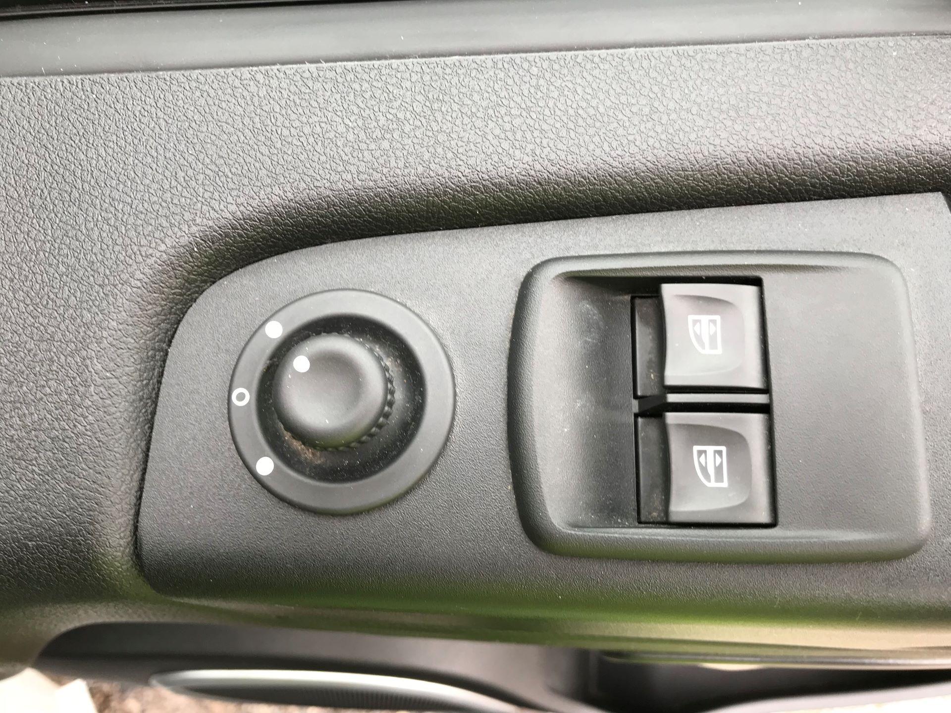 2018 Vauxhall Vivaro L2 H1 2900 1.6CDTI 120PS SPORTIVE EURO 6 (DS68FTU) Image 17