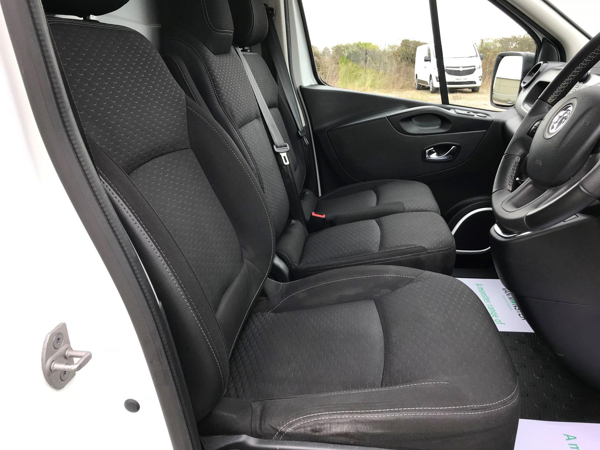 2018 Vauxhall Vivaro L2 H1 2900 1.6CDTI 120PS SPORTIVE EURO 6 (DS68FTU) Image 16