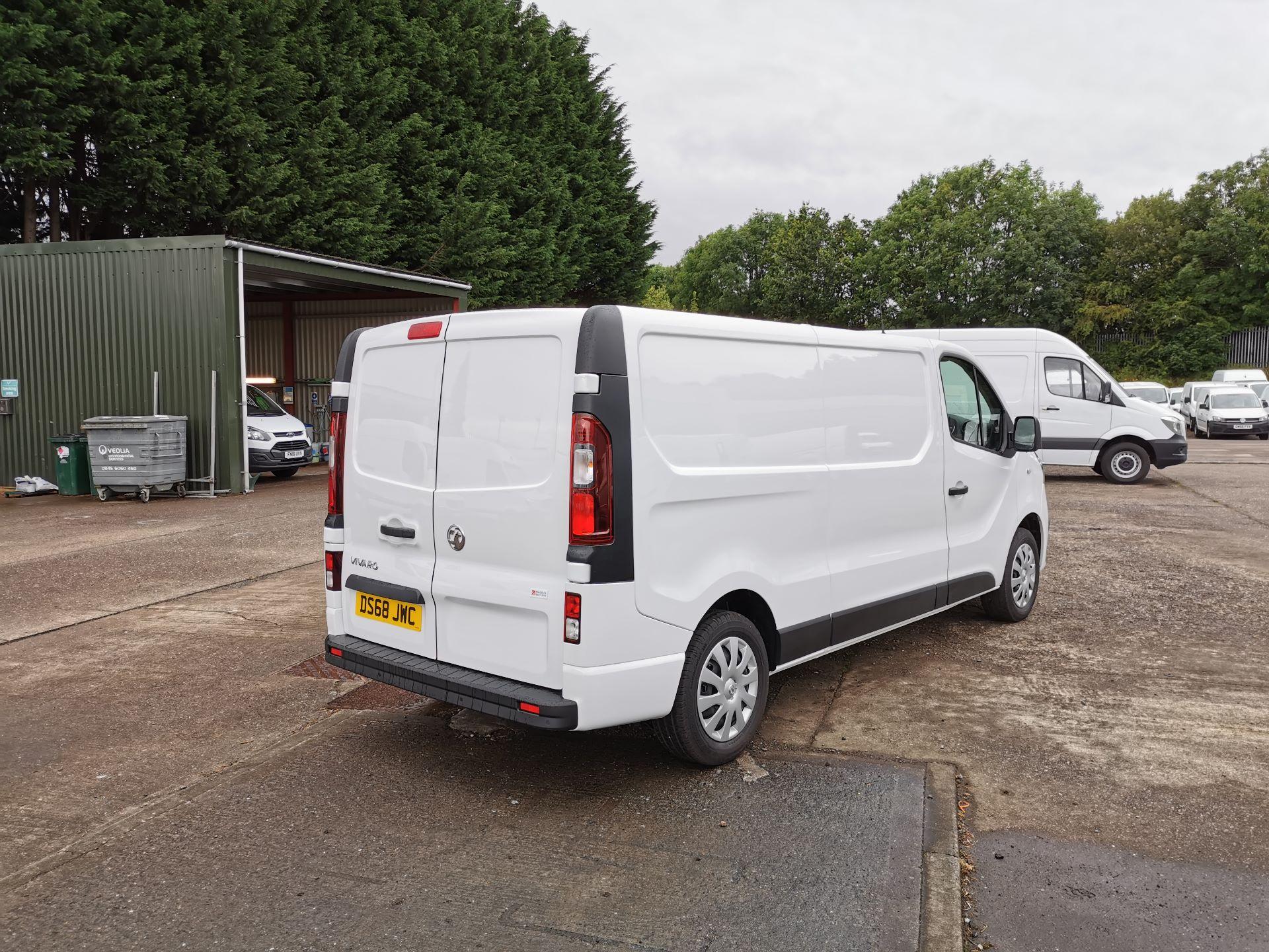 2018 Vauxhall Vivaro 2900 1.6Cdti 120Ps Sportive H1 Van (DS68JWC) Image 11