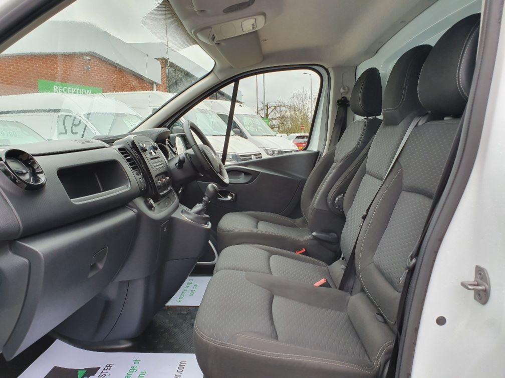 2018 Vauxhall Vivaro L2 H1 2900 1.6CDTI 120PS SPORTIVE EURO 6 (DS68JZX) Image 16