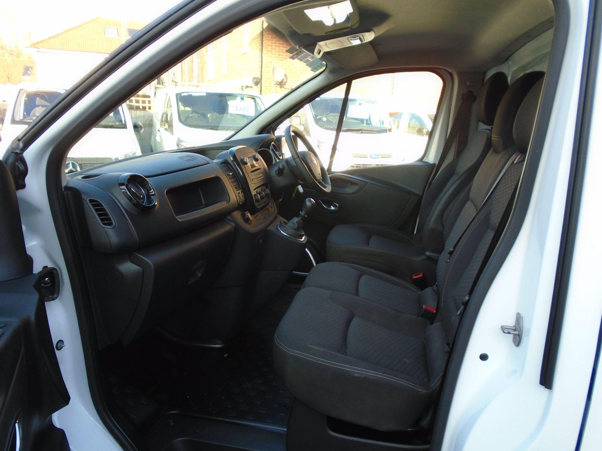 2018 Vauxhall Vivaro 2900 1.6Cdti 120Ps Sportive H1 Van( EURO 6) (DS68KAE) Image 23