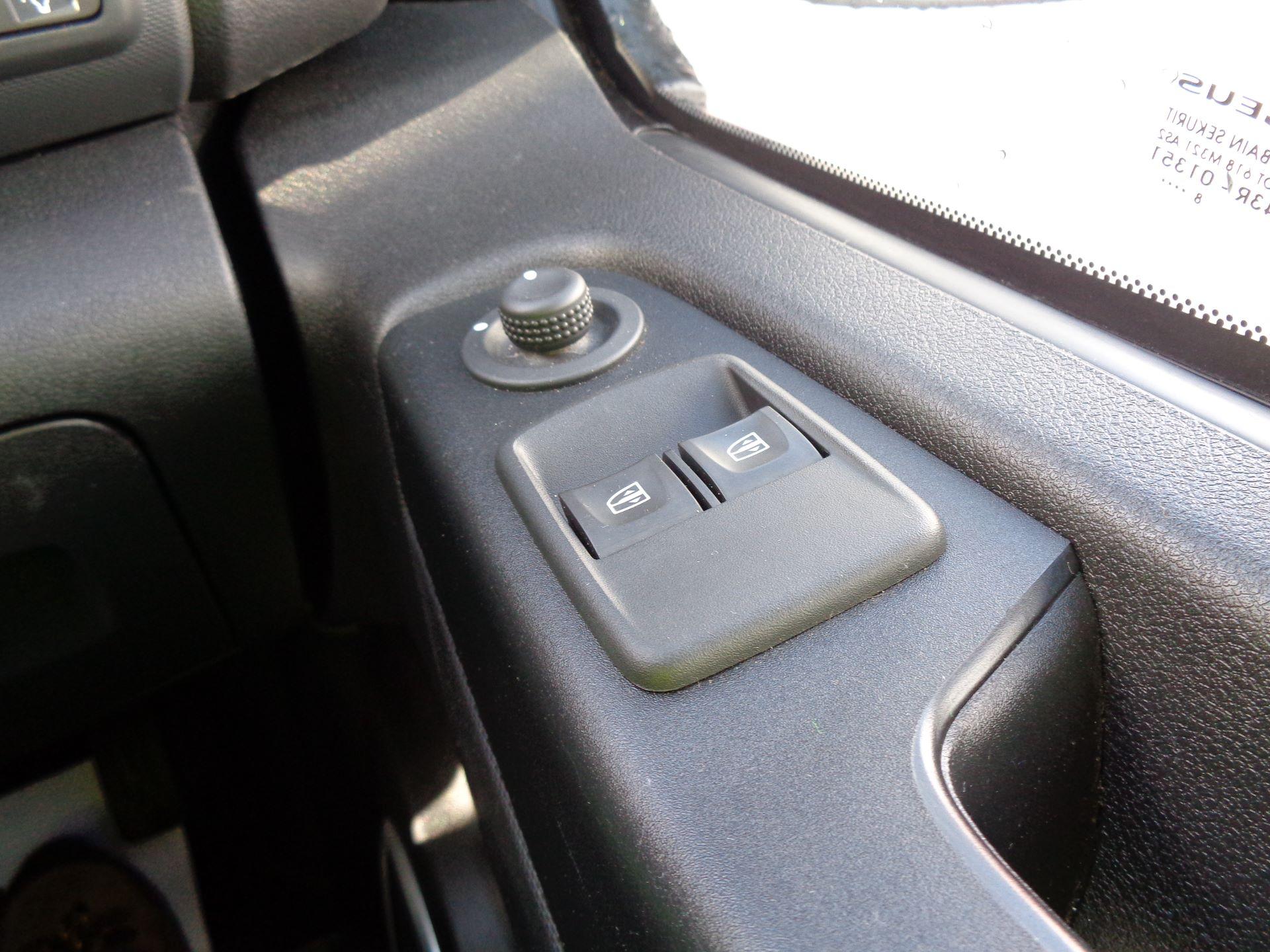 2018 Vauxhall Vivaro L2 H1 2900 1.6CDTI 120PS SPORTIVE EURO 6 (DS68KFR) Image 21