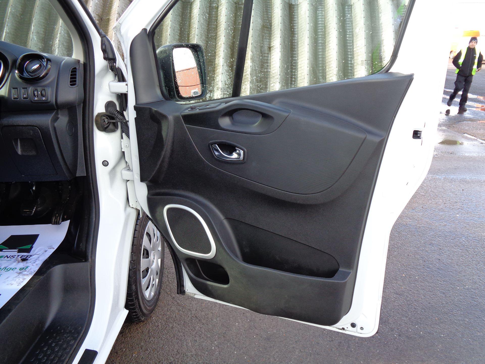 2018 Vauxhall Vivaro L2 H1 2900 1.6CDTI 120PS SPORTIVE EURO 6 (DS68KFR) Image 15