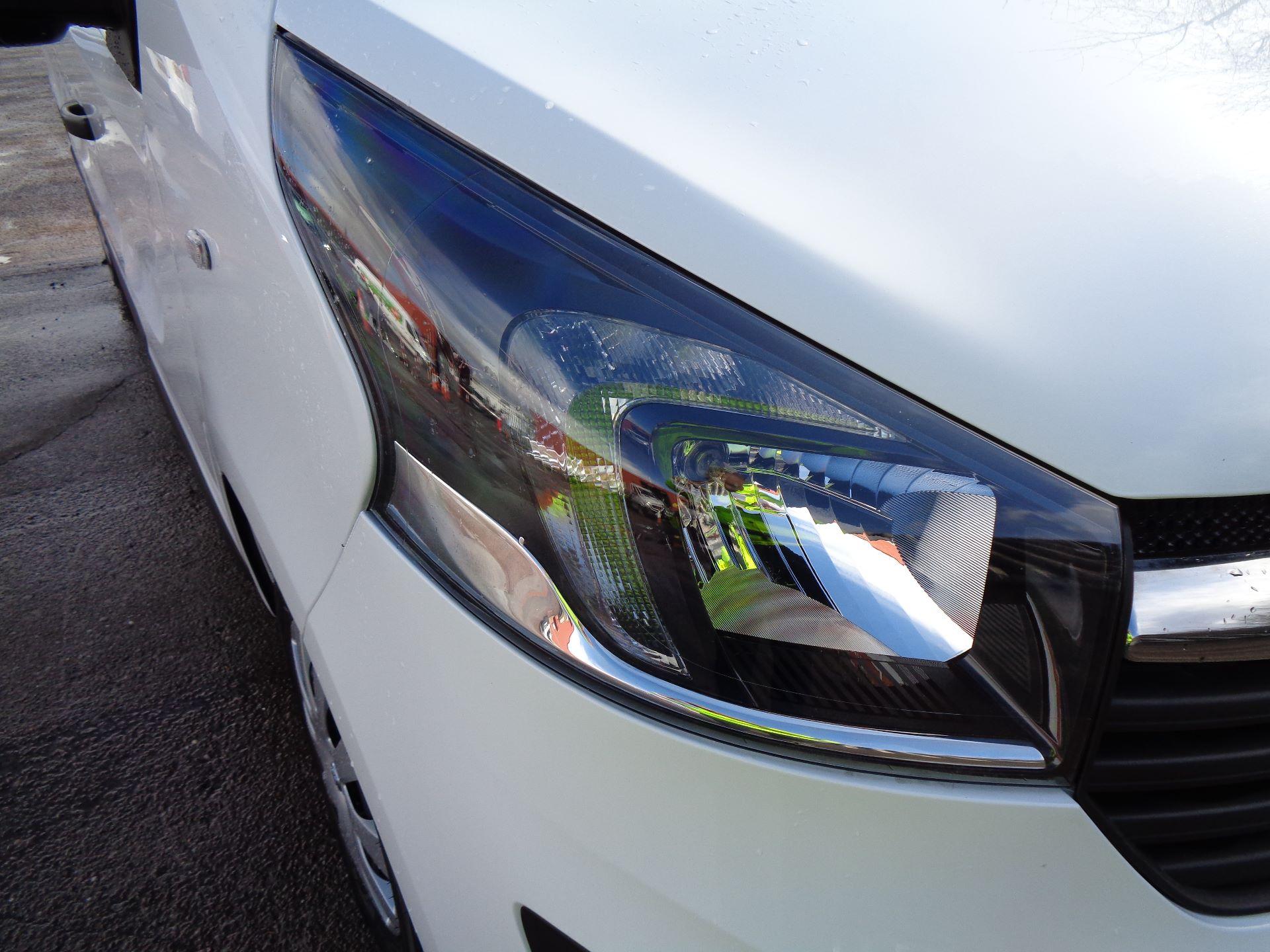 2018 Vauxhall Vivaro L2 H1 2900 1.6CDTI 120PS SPORTIVE EURO 6 (DS68KFR) Image 24
