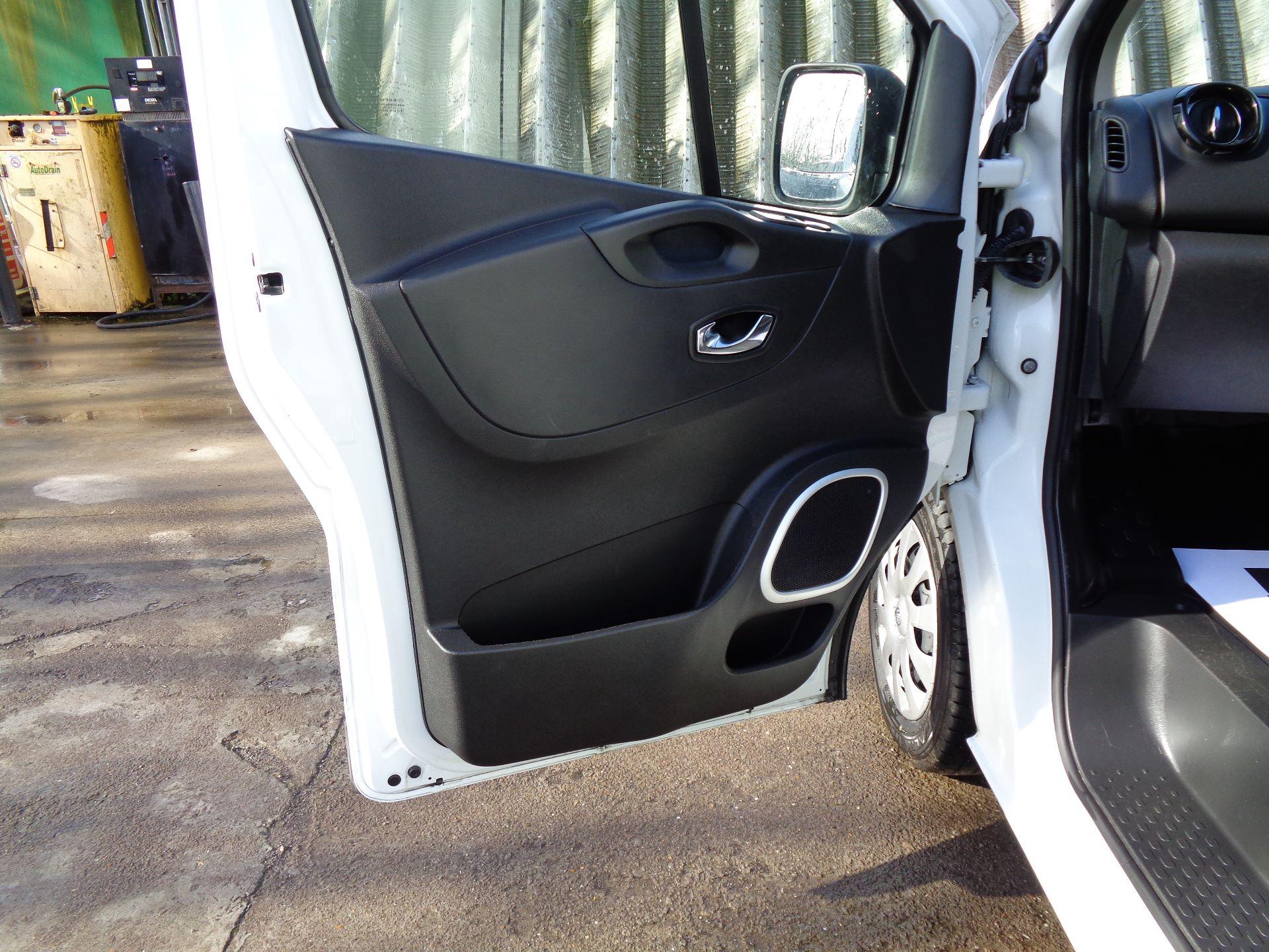 2018 Vauxhall Vivaro L2 H1 2900 1.6CDTI 120PS SPORTIVE EURO 6 (DS68KFR) Image 13