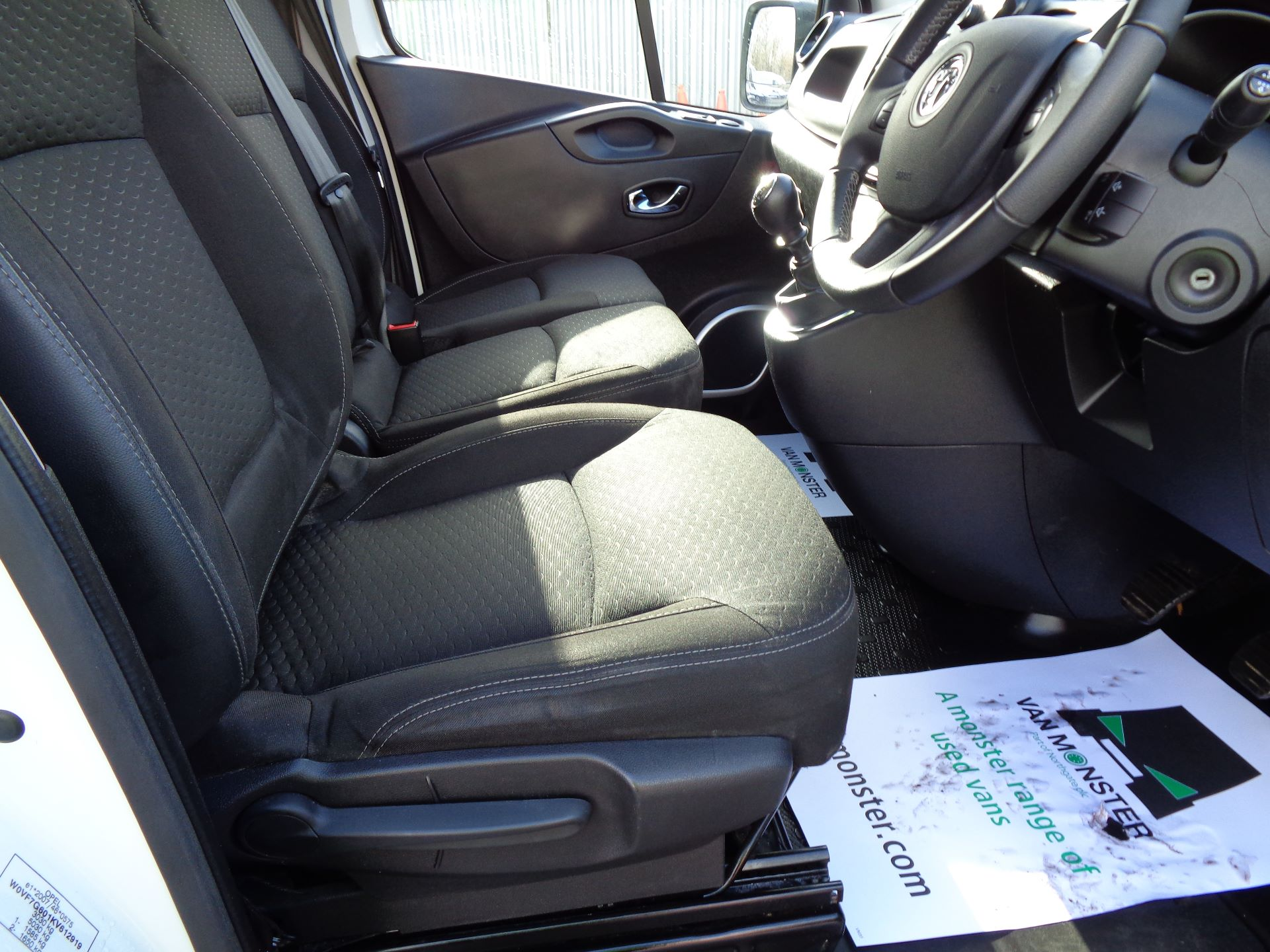 2018 Vauxhall Vivaro L2 H1 2900 1.6CDTI 120PS SPORTIVE EURO 6 (DS68KFR) Image 16