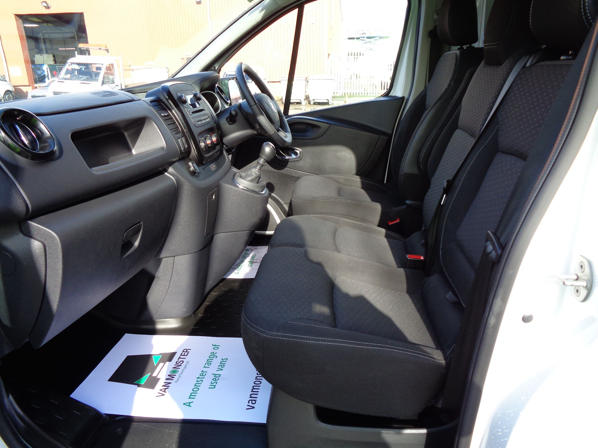 2018 Vauxhall Vivaro L2 H1 2900 1.6CDTI 120PS SPORTIVE EURO 6 (DS68KFR) Image 14