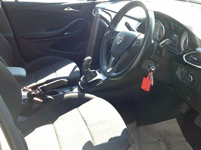2018 Vauxhall Astra 1.6 Cdti 16V 136 Sri Nav 5Dr (DT18CPE) Image 2