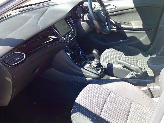 2018 Vauxhall Astra 1.6 Cdti 16V 136 Sri Nav 5Dr (DT18CPE) Image 16