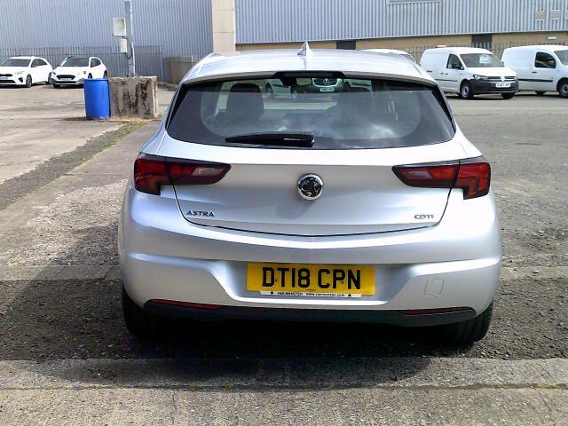 2018 Vauxhall Astra 1.6 Cdti 16V 136 Sri Nav 5Dr (DT18CPN) Image 13