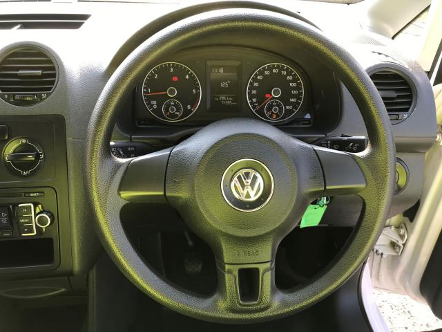 2014 Volkswagen Caddy Maxi 1.6TDI 102PS STARTLINE EURO 5 (DU14PVZ) Image 5