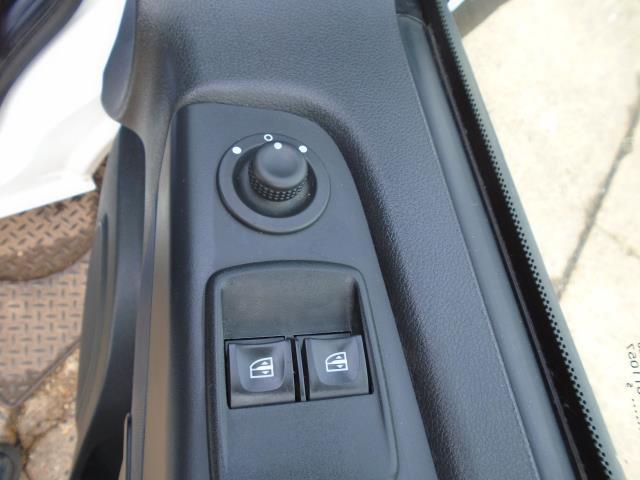 2015 Vauxhall Vivaro  L2 H1 2900 1.6 115PS EURO 5 (DU15AEJ) Image 25