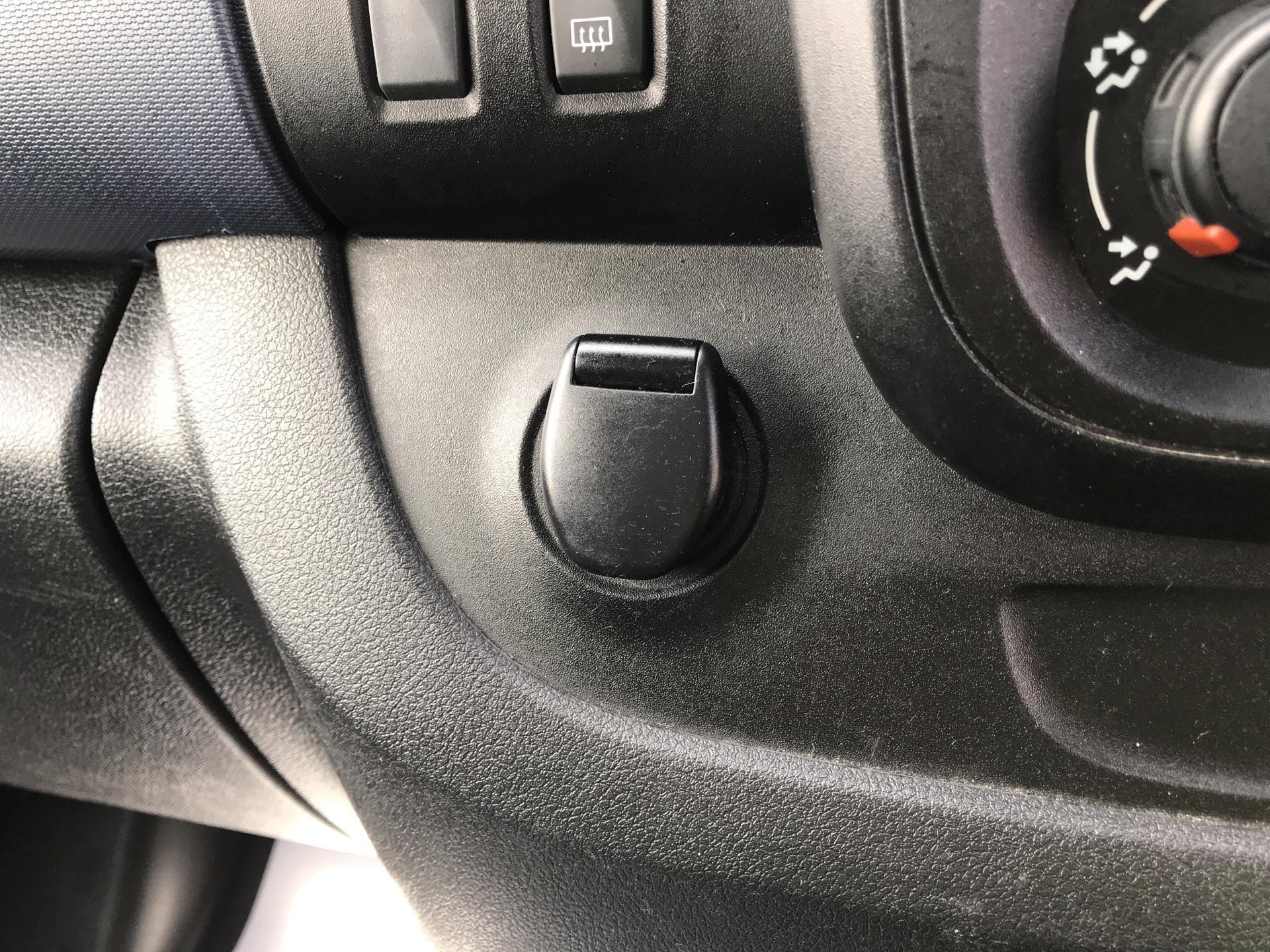 2015 Vauxhall Vivaro  L2 H1 2900 1.6 115PS EURO 5 - NO VAT (DU15AUF) Image 32