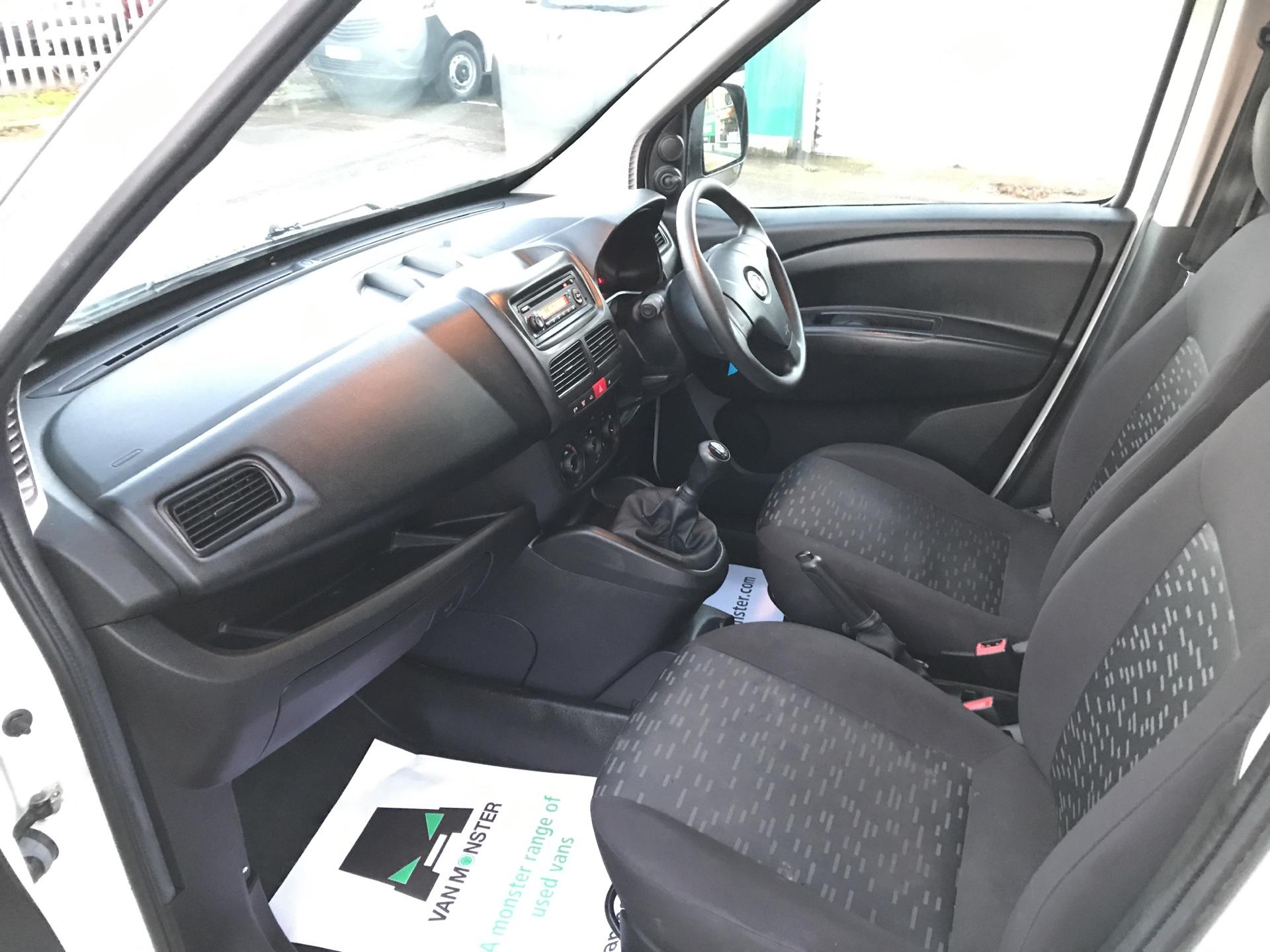 2015 Vauxhall Combo  L1 H1 2000 1.3 16V  EURO 5 (DU15BJV) Image 14