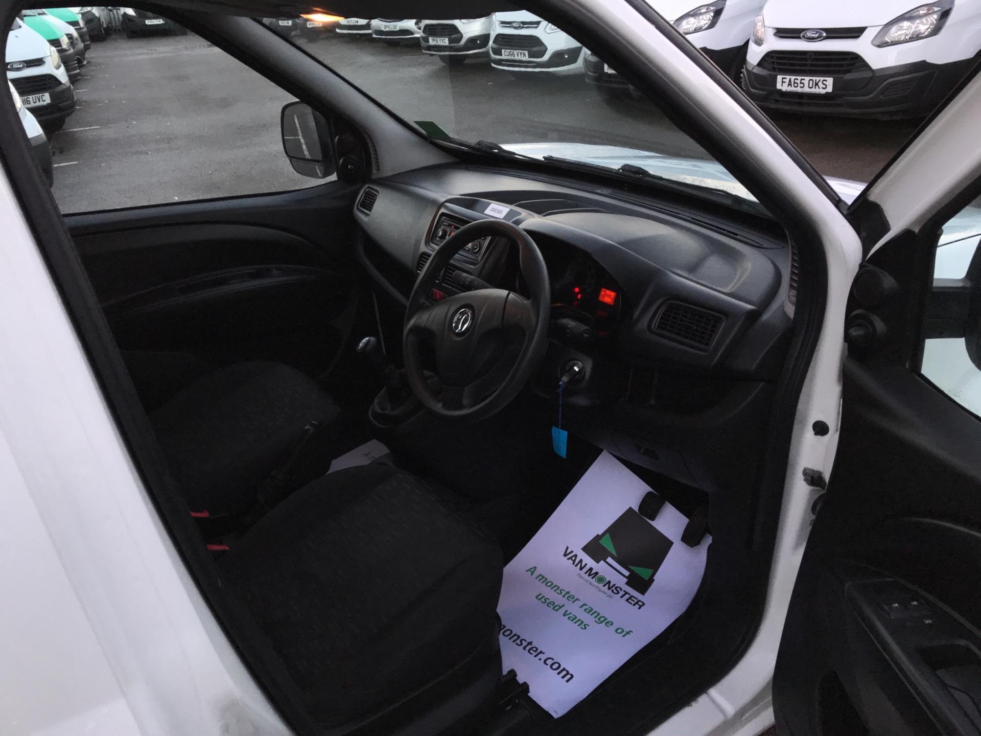 2015 Vauxhall Combo  L1 H1 2000 1.3 16V  EURO 5 (DU15BJV) Image 9