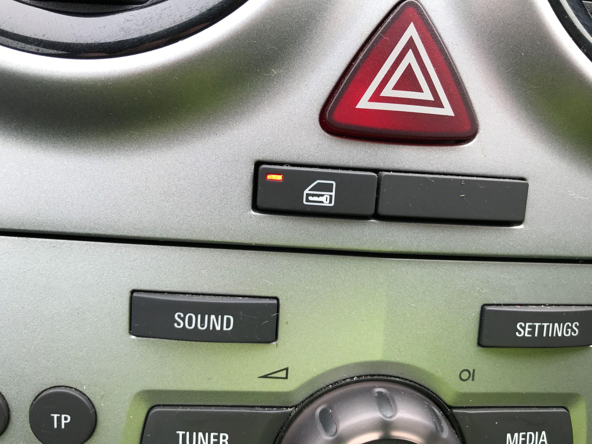 2015 Vauxhall Corsa 1.3CDTI 16V 75PS EURO 5 (DU15EWJ) Image 18