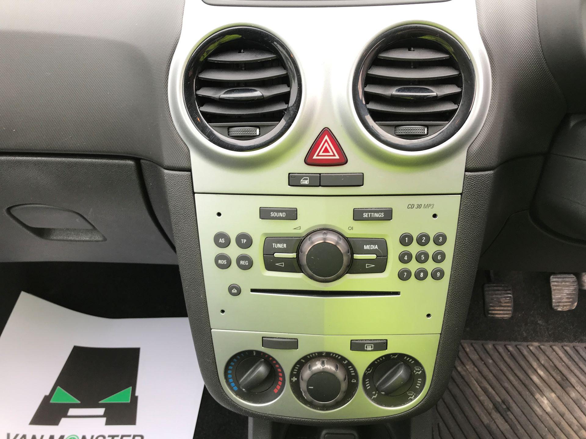 2015 Vauxhall Corsa 1.3CDTI 16V 75PS EURO 5 (DU15EWJ) Image 3
