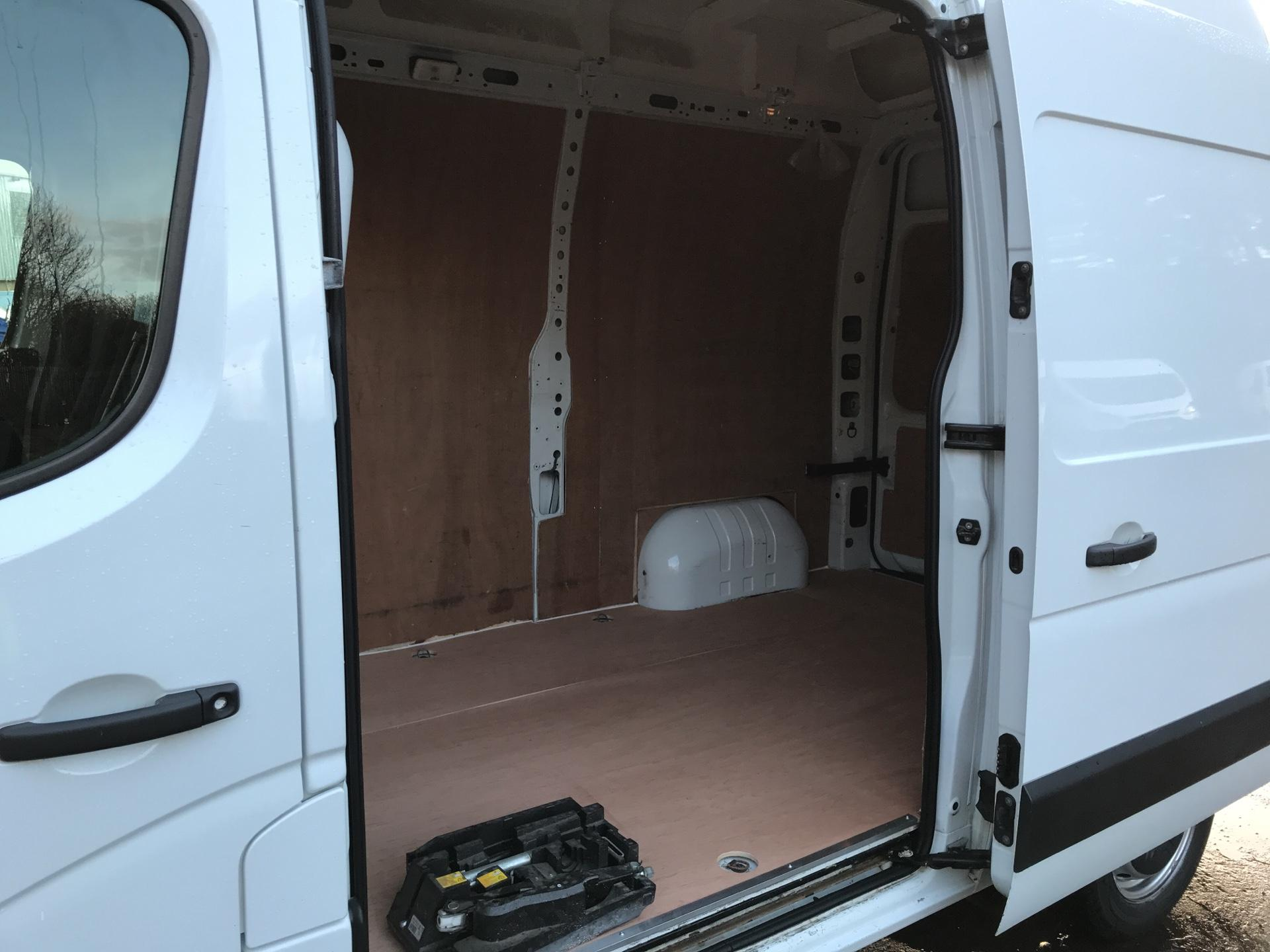 2015 Vauxhall Movano 35 L2 H3 2.3 TDCI 125PS EURO 5 (DU15LSN) Image 18