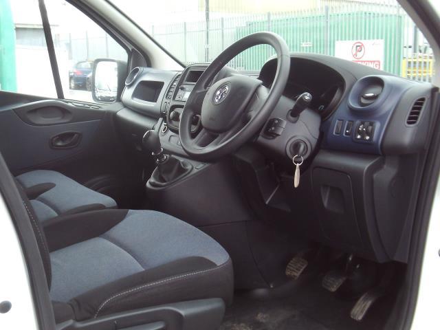 2017 Vauxhall Vivaro 2900 L2 H1 1.6CDTI 120PS EURO 6 (DU17UXM) Image 13