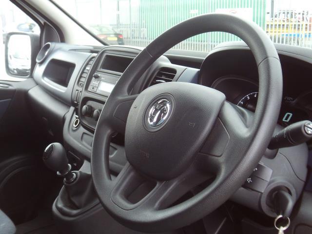 2017 Vauxhall Vivaro 2900 L2 H1 1.6CDTI 120PS EURO 6 (DU17UXM) Image 9