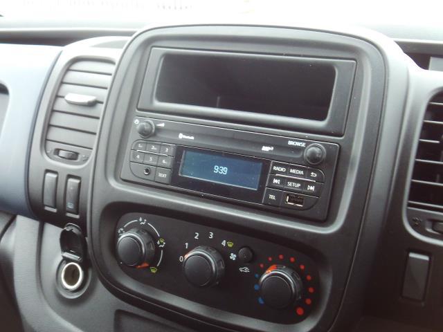 2017 Vauxhall Vivaro 2900 L2 H1 1.6CDTI 120PS EURO 6 (DU17UXM) Image 10