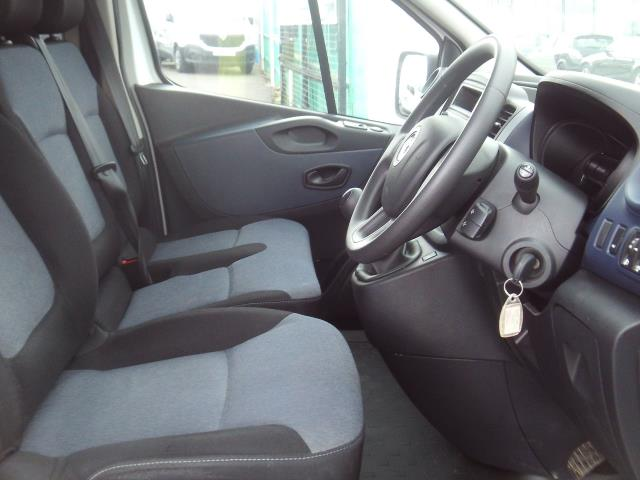 2017 Vauxhall Vivaro 2900 L2 H1 1.6CDTI 120PS EURO 6 (DU17UXM) Image 8