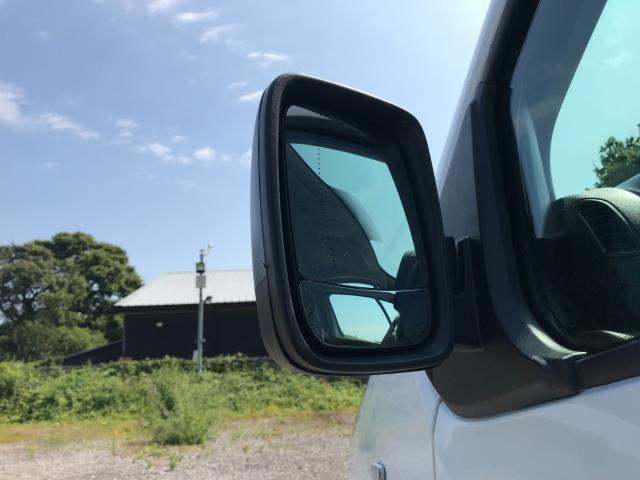 2017 Vauxhall Vivaro L2 H1 2900 1.6CDTI 120PS EURO 6 *Restricted to 68 MPH* (DU17UXO) Image 14