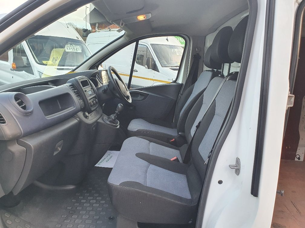 2016 Vauxhall Vivaro 2900 1.6Cdti 115Ps H1 Van (DU66GZF) Image 16