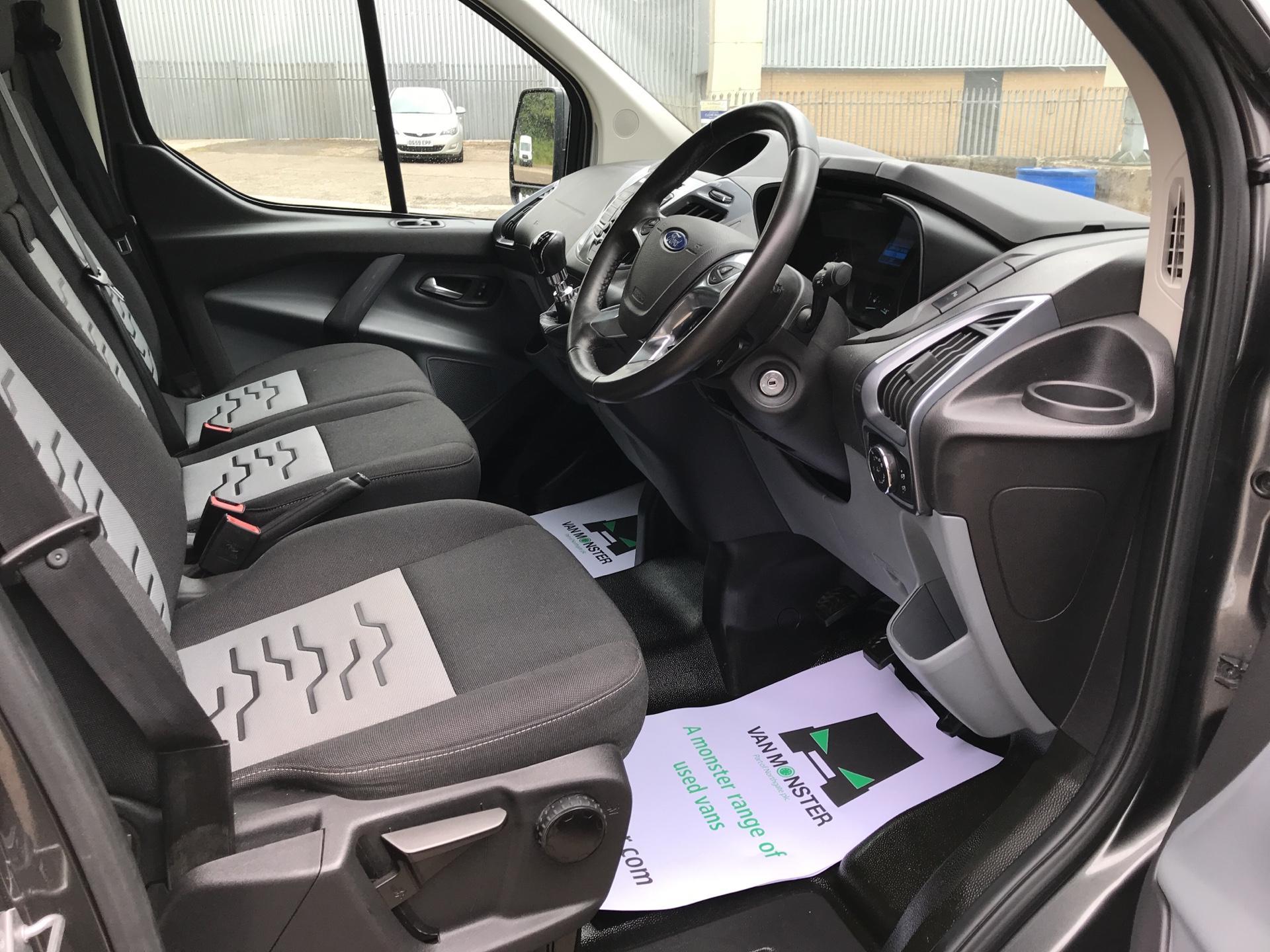 2016 Ford Transit Custom 290 L1 DIESEL FWD 2.2 TDCI 125PS LOW ROOF LIMITED VAN EURO 5 (DV16OKP) Image 9