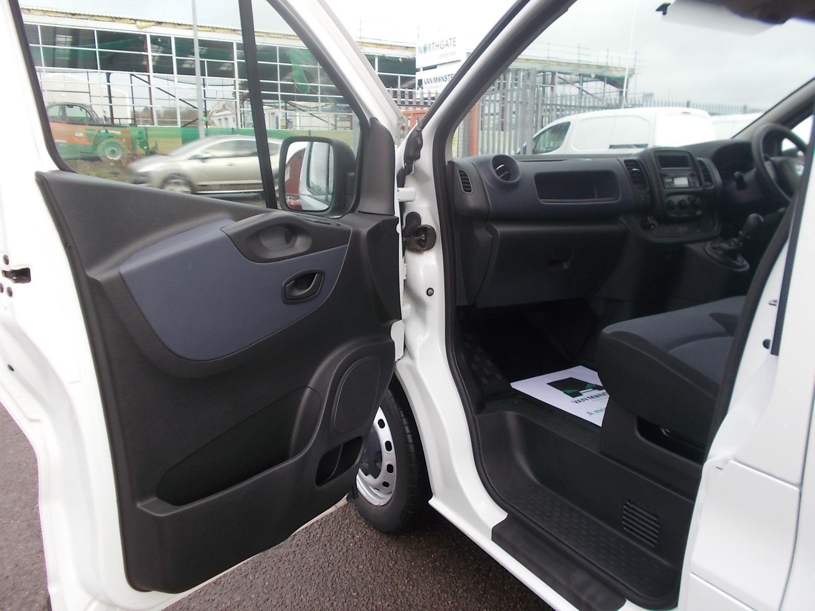 2017 Vauxhall Vivaro L2 H1 2900 1.6CDTI 120PS EURO 6 (DV17FNH) Image 11