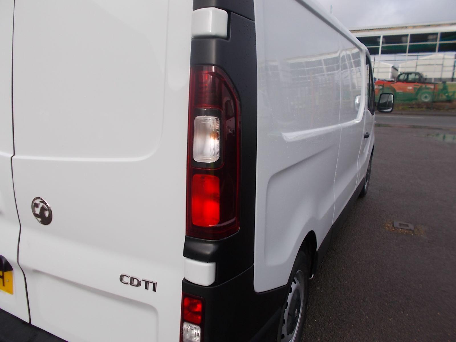 2017 Vauxhall Vivaro L2 H1 2900 1.6CDTI 120PS EURO 6 (DV17FNH) Image 23
