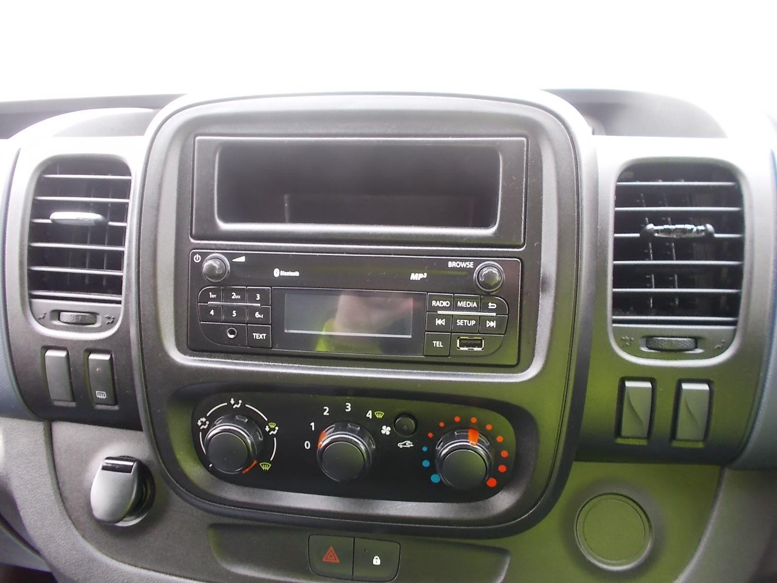 2017 Vauxhall Vivaro L2 H1 2900 1.6CDTI 120PS EURO 6 (DV17FNH) Image 17