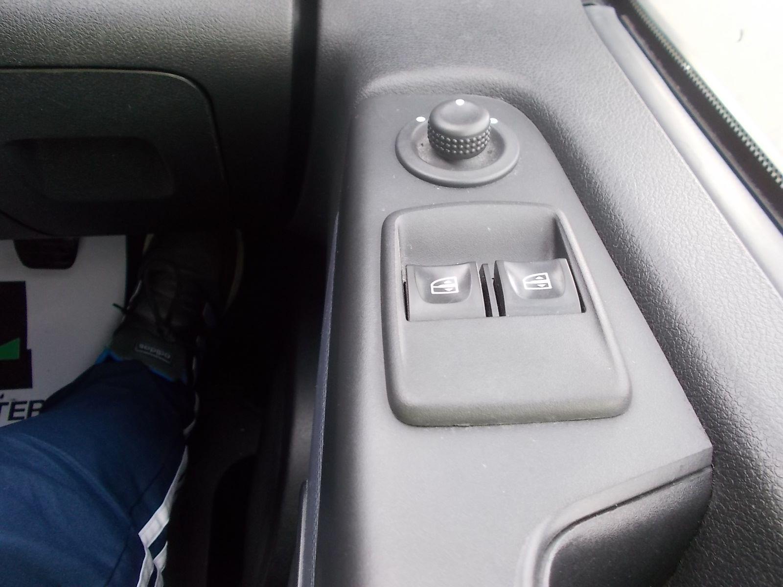 2017 Vauxhall Vivaro L2 H1 2900 1.6CDTI 120PS EURO 6 (DV17FNH) Image 20