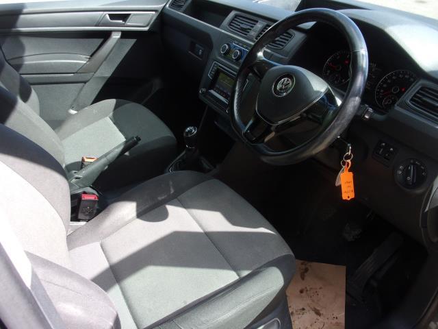 2017 Volkswagen Caddy C20 2.0 TDI 102PS BMT HIGHLINE VAN EURO 6 (DV17JXN) Image 2