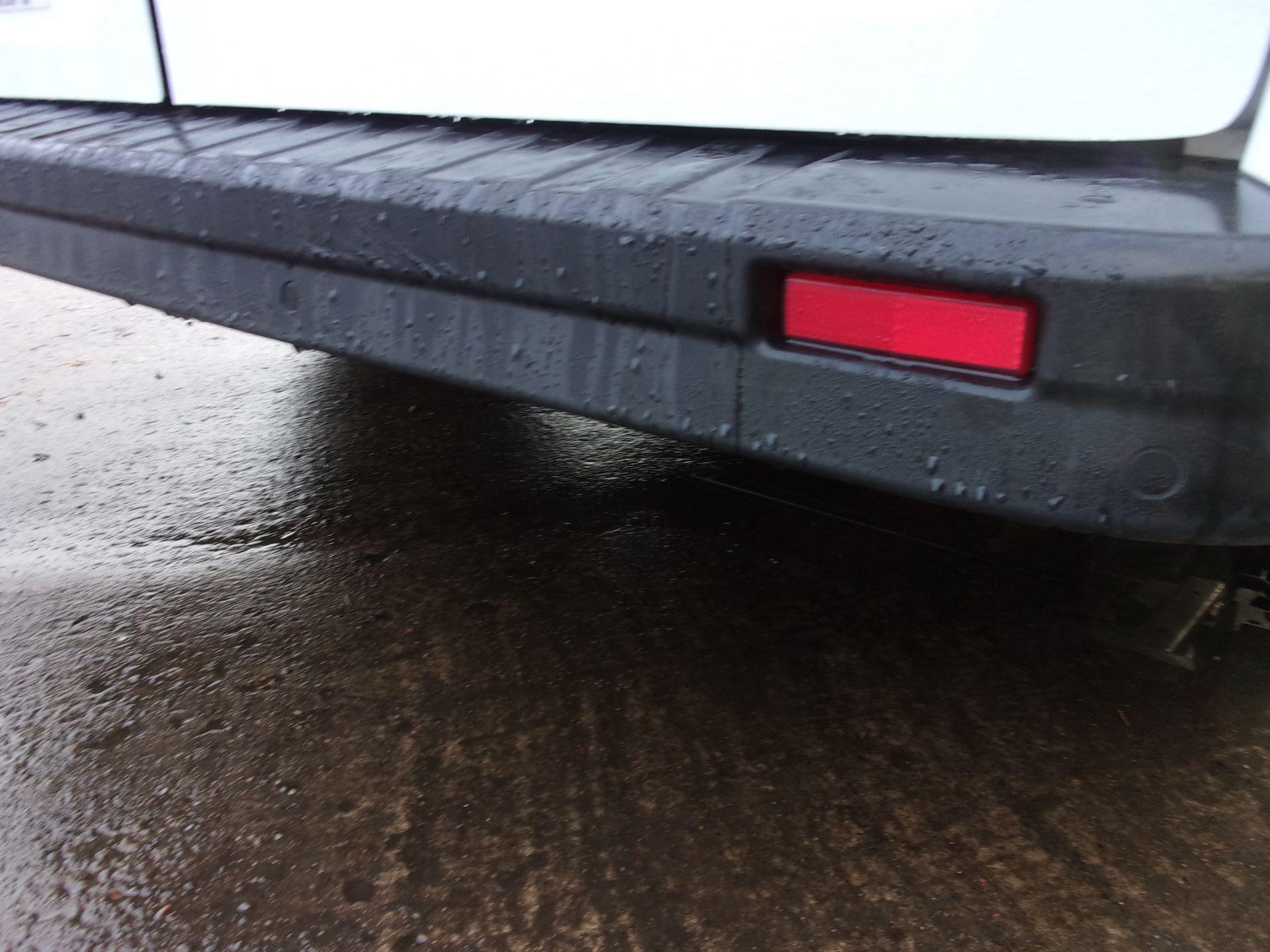 2018 Vauxhall Vivaro L2 H1 2900 1.6 CDTI 120PS SPORTIVE VAN EURO 6 (DV18RXU) Image 19
