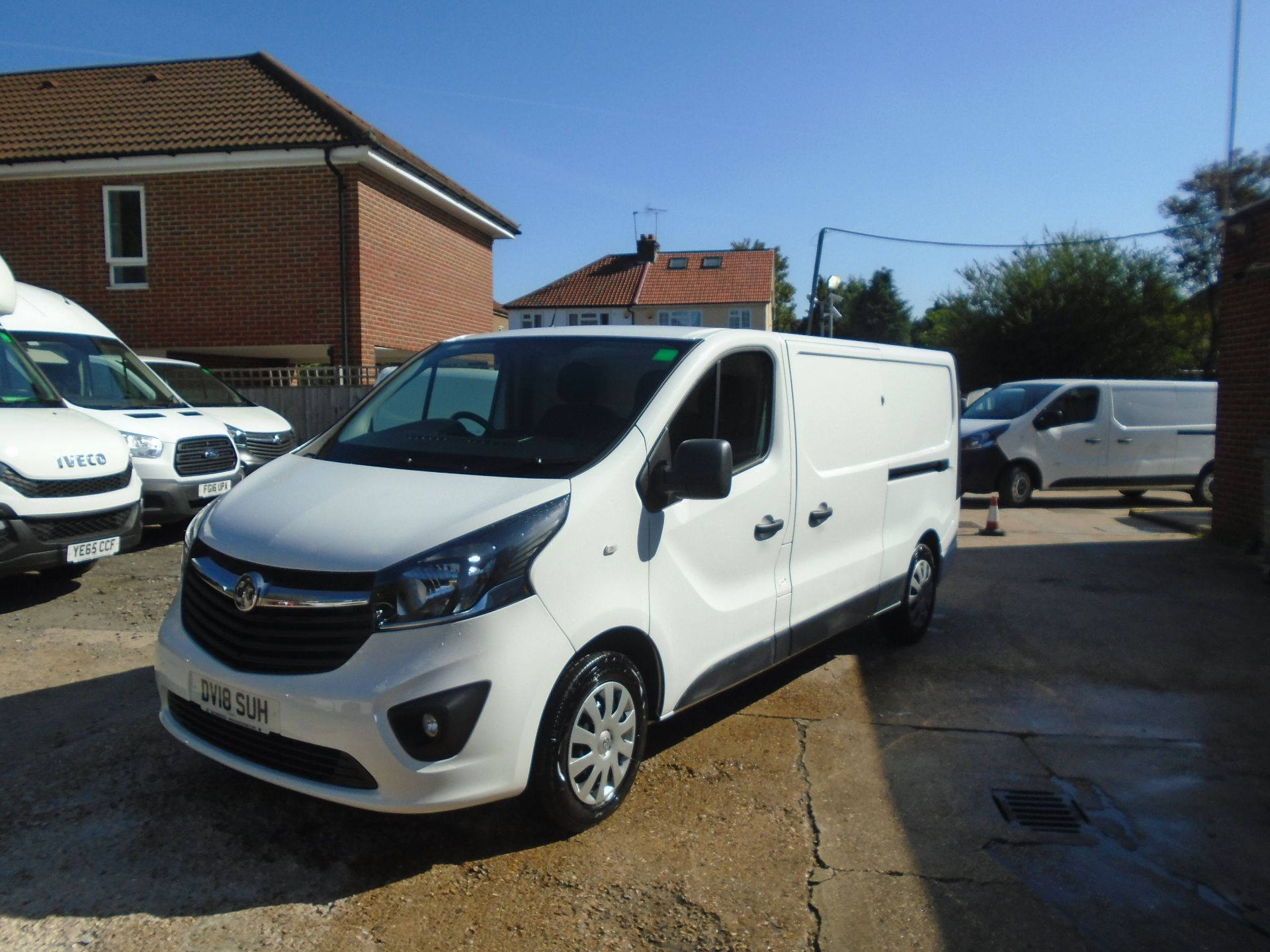 2018 Vauxhall Vivaro 2900 1.6Cdti 120Ps Sportive H1 Van(EURO 6)(LIMITED TO 70MPH)(AIR CON) (DV18SUH) Image 3