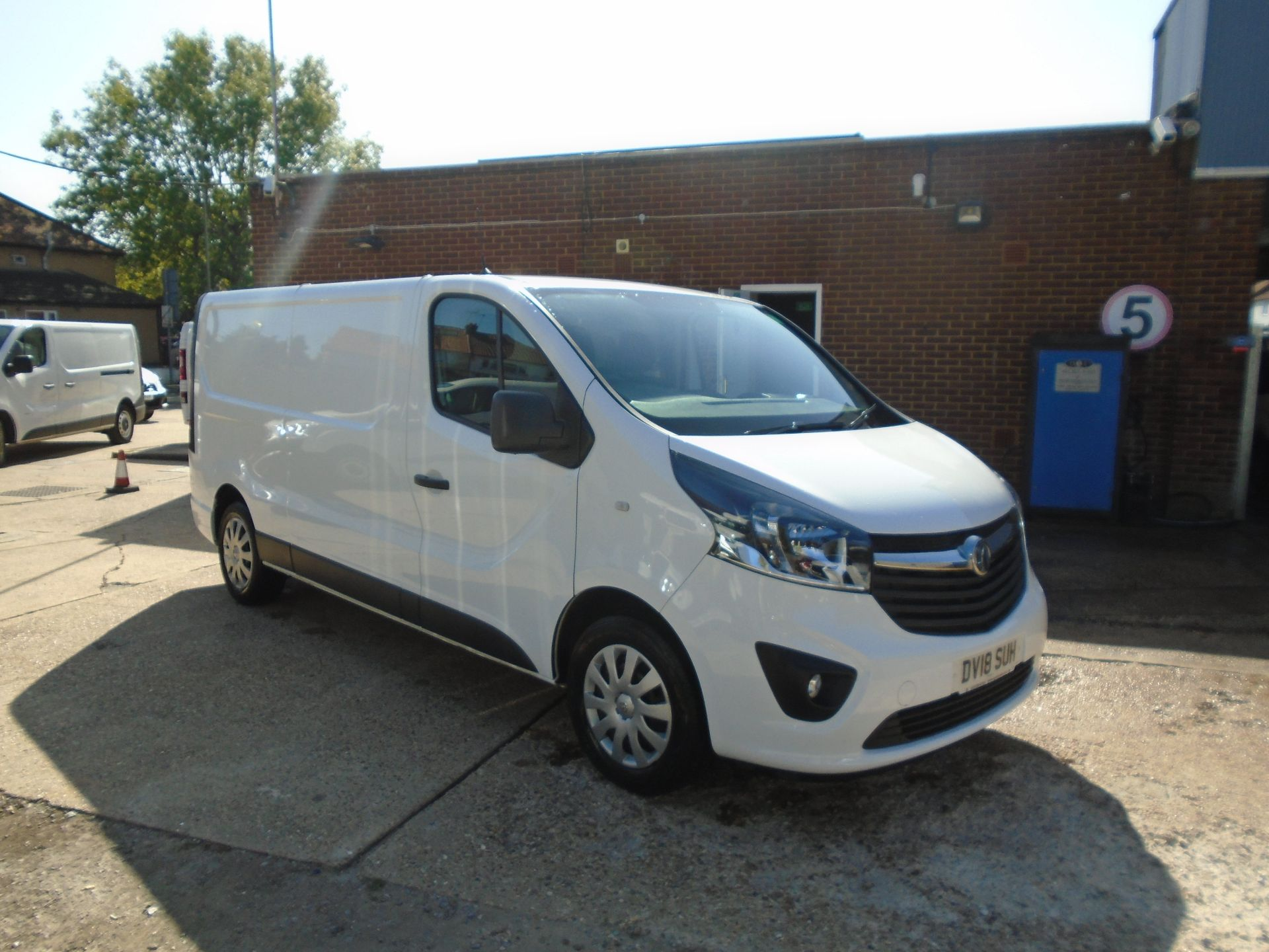 2018 Vauxhall Vivaro 2900 1.6Cdti 120Ps Sportive H1 Van(EURO 6)(LIMITED TO 70MPH)(AIR CON) (DV18SUH) Image 1