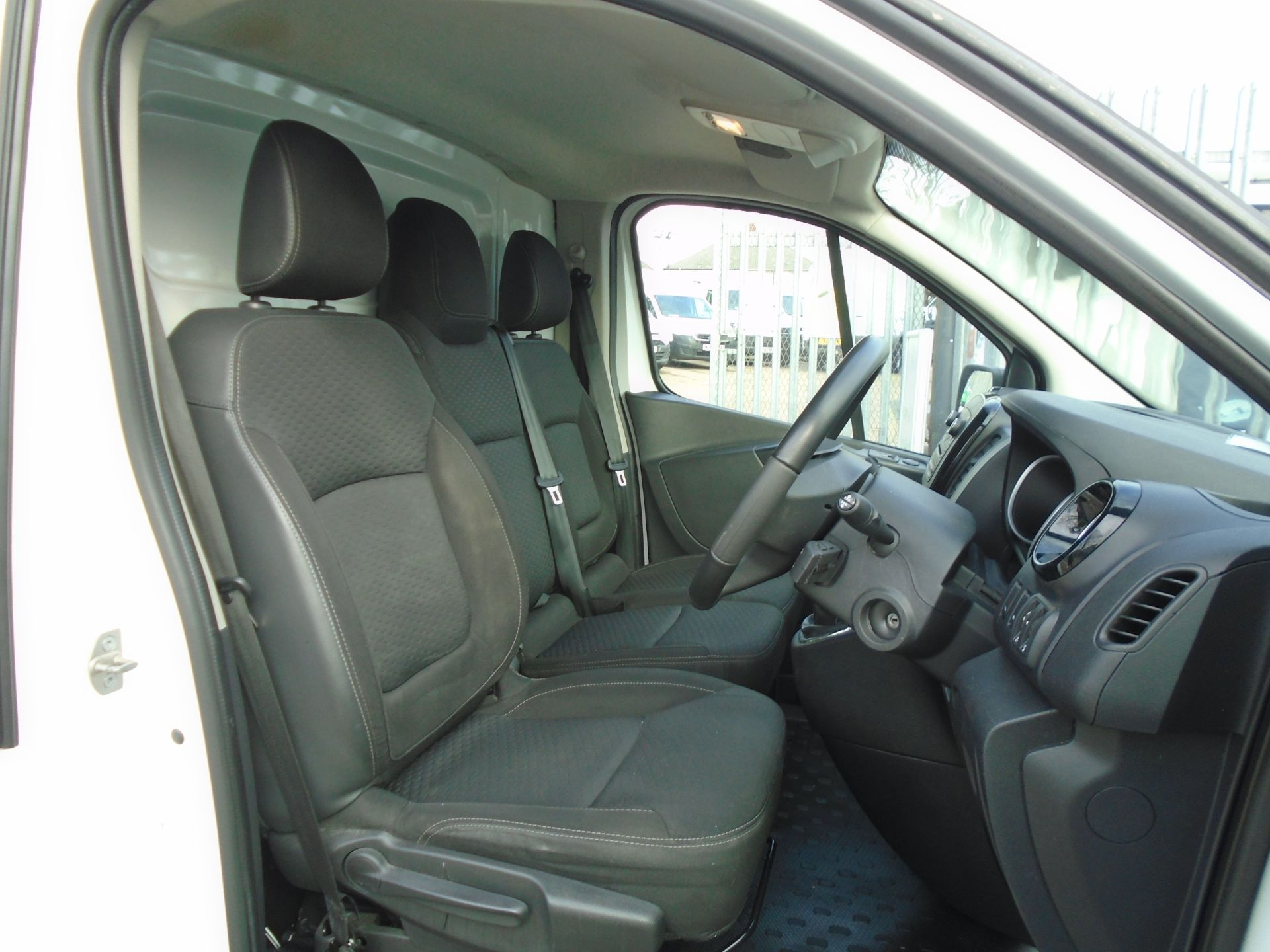 2018 Vauxhall Vivaro 2900 1.6Cdti 120Ps Sportive H1 Van **LIMITED 70MPH** (DV18TFA) Image 19