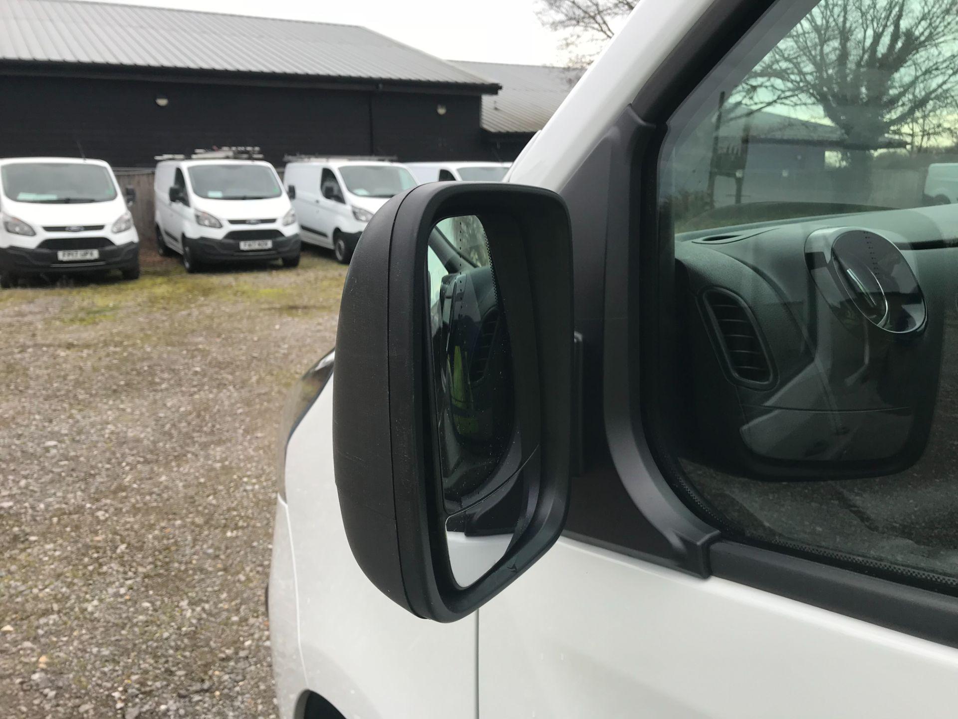 2019 Vauxhall Vivaro L2 H1 2900 1.6CDTI 120PS SPORTIVE EURO 6 (DV19YZY) Image 28